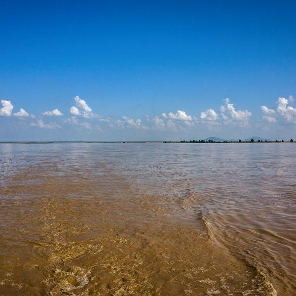 Irrawaddy River zwischen Mandaly und Bagan, Myanmar, Oktober 2015