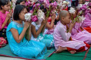 TA-ZAUG-DINE LICHTERFEST, Yangon, Myanmar, Oktober 2015