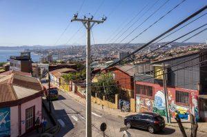 Valparaíso im Hintergrund die Nachbarstadt Viña del Mar, Chile, August 2016